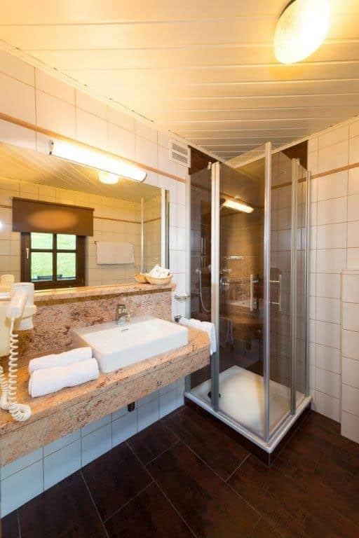 doppelzimmer-lebensfreude-bad