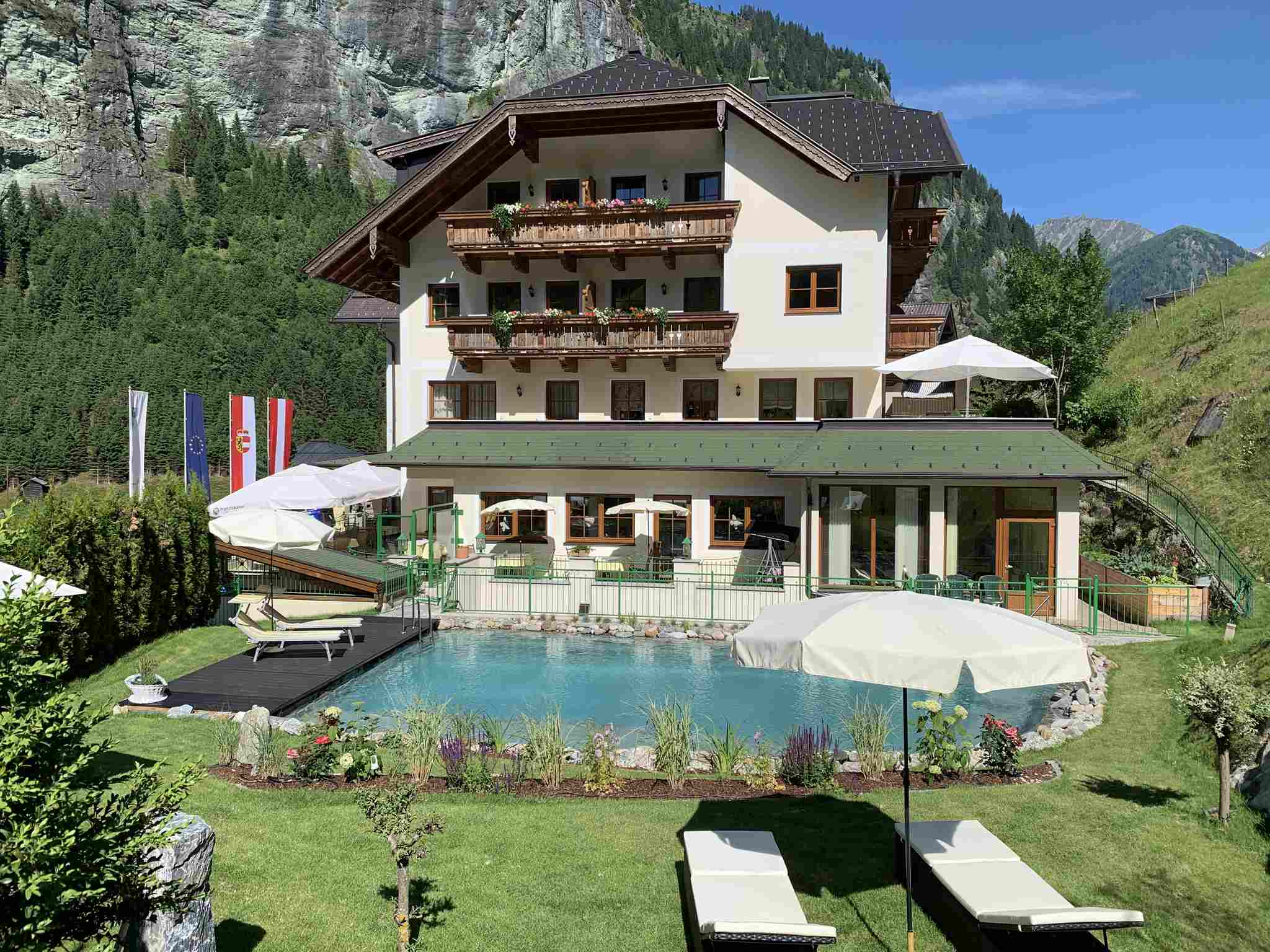 Hotel_großarl_pool_wandern